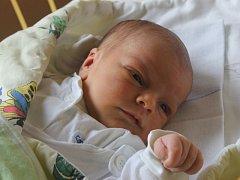 Adam Holý se narodil 25. září, vážil 3,26 kilogramů a měřil 49 centimetrů. Rodiče Martina a Lukáš ze Slavkova mu do života přejí zdraví a štěstí. Na Adámka už doma čeká bráška Kubík.