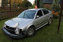 Policisté žádají širokou veřejnost o pomoc při pátrání po neznámém řidiči vozidla, který projížděl v neděli 13. září o půl sedmé ráno Jakartovicemi, konkrétně částí Hořejší Kunčice.
