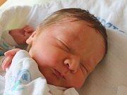 Adam Hruška se narodil 27. června, vážil 3,63 kilogramů a měřil 50 centimetrů. Rodiče Katarína a Marek z Opavy mu do života přejí zdraví a štěstí. Na Adámka už doma čeká sestřička Karolínka.