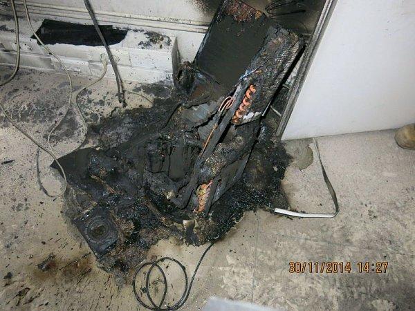 Hasiči likvidovali vneděli odpoledne požár vadministrativní budově vKrnovské ulici vOpavě. Oheň způsobil škodu za zhruba 900tisíc korun.