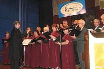 Hlučínský smíšený sbor vystoupil nedávno na Mezinárodním festivalu pěveckých sborů Baška a sklidil příjemné ohlasy.