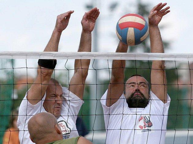 Populární antukový volejbalový turnaj Kylešovská žába má za sebou čtyřiadvacátý ročník.