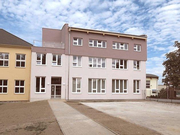Nová podoba školy v Dolní Lhotě.
