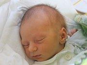 Vojta Bureš se narodil 27. března, vážil 3,29 kilogramů a měřil 52 centimetrů. Rodiče Martin a Barbora z Radkova svému prvorozenému synovi přejí mnoho lásky, štěstí, zdraví a ať pěkně roste.