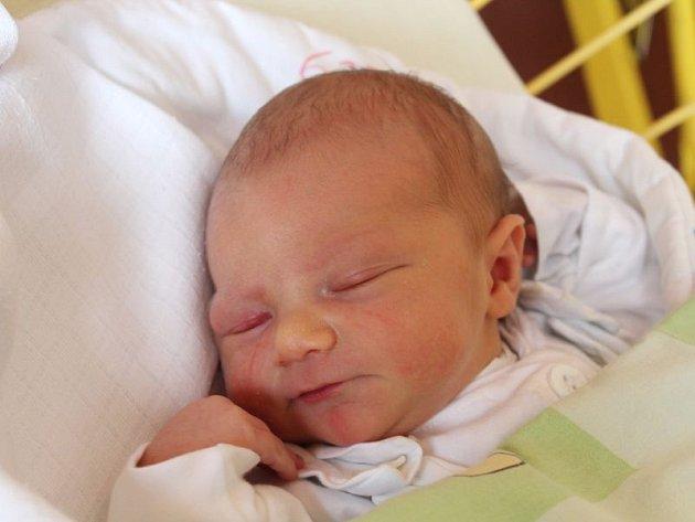Zuzana Želinská se narodila 26. července, vážila 3,71 kilogramů a měřila 51 centimetrů. Rodiče Alena a Tomáš z Vítkova přejí své prvorozené dceři do života především zdraví a štěstí.