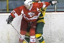 Tomáš Polok (v červeném)