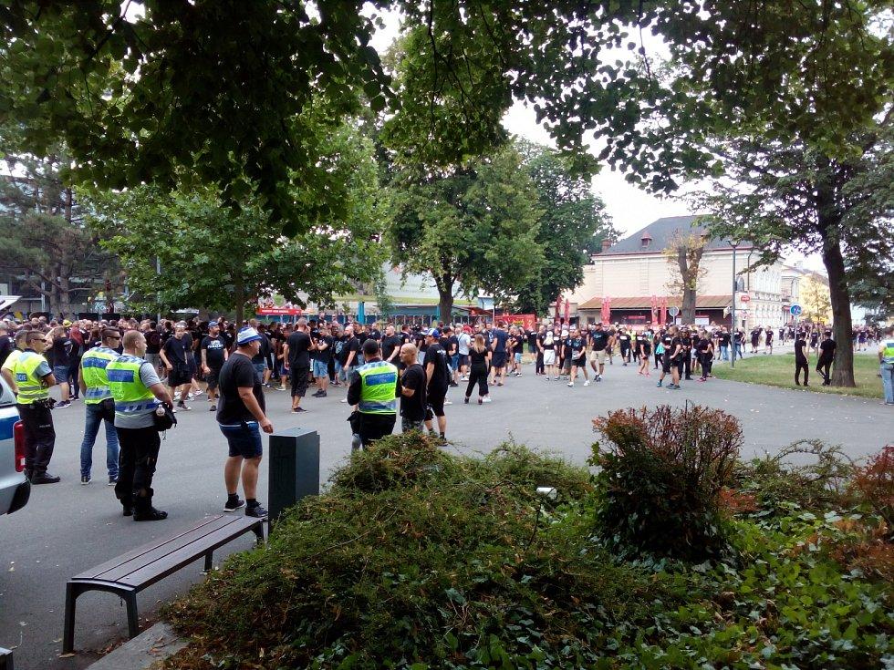 Fanoušci Baníku v Opavě, pátek 2. srpna 2019.