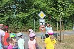 Policistky z Frýdku-Místku ve čtvrtek dopoledne na dopravním hřišti u Střediska volného času Klíč seznamovaly děti s pravidly silničního provozu.