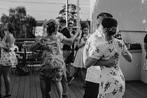 Swingová tančírna má své kouzlo.