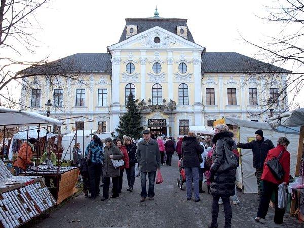 Vánoce na zámku každoročně do Kravař přilákají spousty návštěvníků.