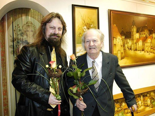 Otec a syn Kočárovi při společné výstavě.