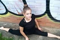 Pavlína se věnuje gymnastice naplno už dlouhých 16 let a moc volného času jí tak nezbývá.