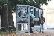 Výstava velkoformátových fotografií, která je nyní k vidění v opavských sadech Svobody.