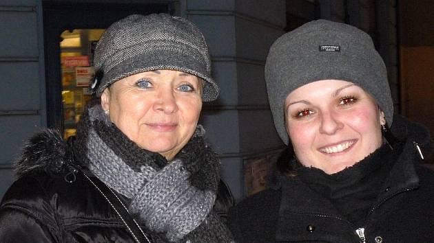 Jana Erteltová, 56 let, pracovnice banky, Opava a Kristýna Kopačková, 28 let, pracovnice banky, Litoměřice - Určitě Slezanka a zimní stadion. A Dům hrůzy.