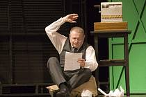 Evžen Trupar jako nerudný Horác Wandergelder v muzikálu Hello, Dolly!