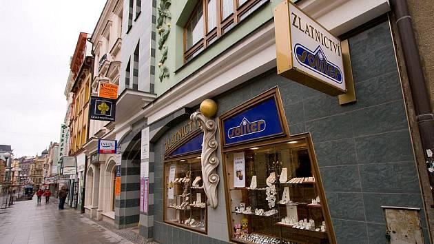 Přepadené zlatnictví na Ostrožné ulici.