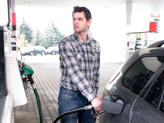 Čtyřiadvacetiletý vedoucí čerpací stanice Marek Rozehnal z Opavy považuje za nejkvalitnější benzin ten, který se prodává na Benzině.