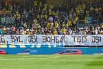 Transparent fanoušků Slezského FC Opava proti Romanovi Skuhravému.