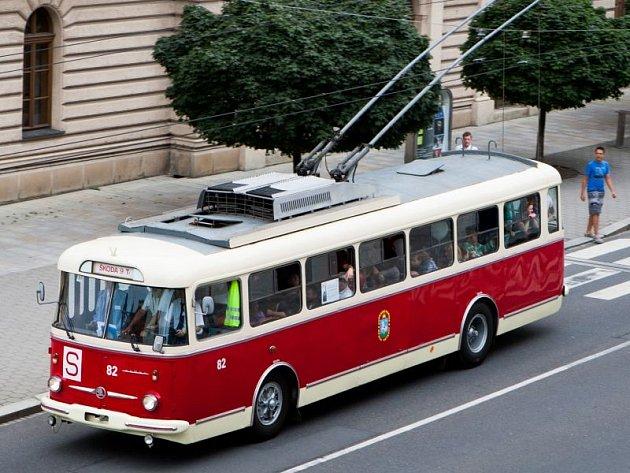Šedesátileté výročí veřejné trolejbusové dopravy v Opavě slavil v sobotu 25. srpna Městský dopravní podnik v Opavě.