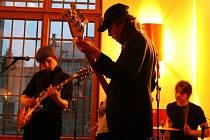 Rock Bow Party. Druhý benefiční večer občanského sdružení G.H.O.St se uskutečnil o víkendu v baru Lenies.