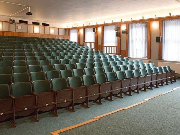 Kino v Hradci nad Moravicí se může pochlubit nově opraveným interiérem.