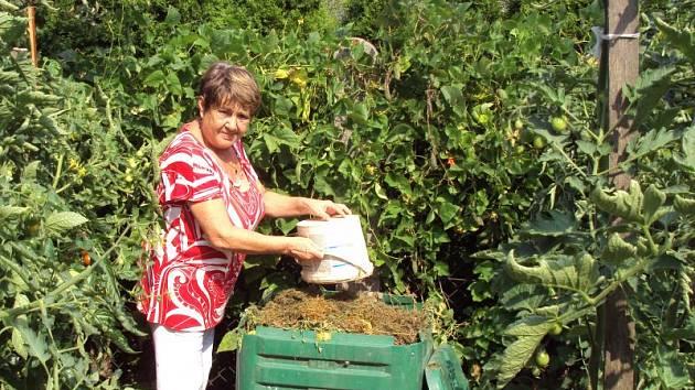 Kompostér je například pro Ladislavu Šťastnou neodmyslitelná součást zahrady.