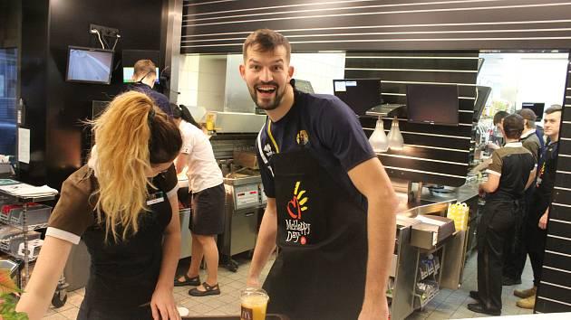 McDonald happy s opavskými basketbalisty