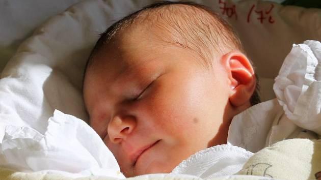 Emma Chryczyková se narodila 5. září, vážila 3,72 kilogramů a měřila 52 centimetrů. Maminka Květa z Opavy jí do života přeje hlavně zdraví a štěstí.