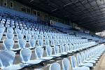 FOTBALOVÝ stadion v Městských sadech je prázdný. Zápasy se nehrají, fotbalisté mají individuální tréninkový plán.