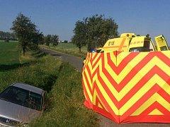 Čtyřiasedmdesátiletý muž z Opavska sjel se svou Hondou ze silnice mezi Březovou a Stěbořicemi. Pomoci už mu nedokázali ani záchranáři.