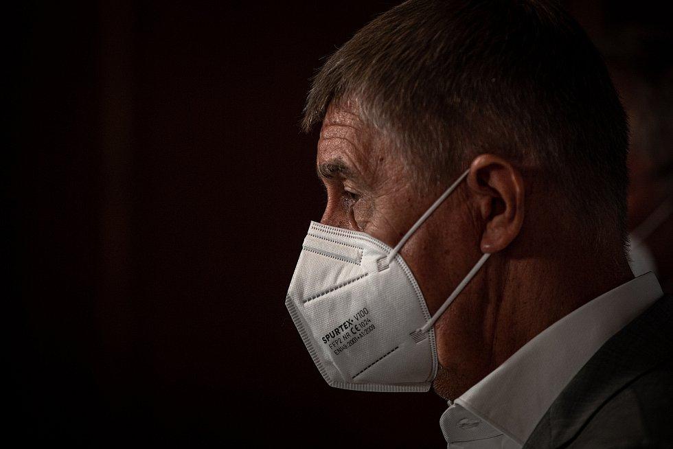 Do Vítkova na Opavsku dorazil mobilní očkovací tým, který nabízí zájemcům očkování proti covidu-19 bez předchozí registrace, 4. srpna 2021. Premiér Andrej Babiš na tiskové konferenci.