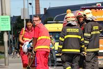 Prostor v okolí opavského zimního stadionu v úterý dopoledne posloužil k velkému hasičskému cvičení.