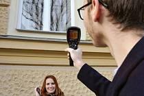 Studenti nabízejí bezplatné měření energetických ztrát domácností v Opavě.