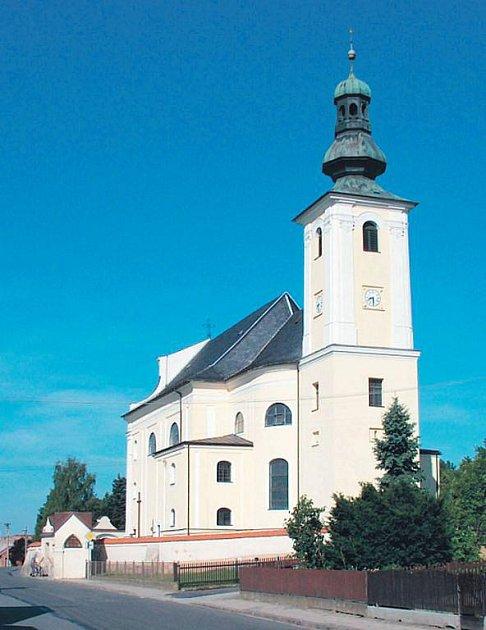 Kostel Nejsvětější Trojice je dominantou Bohuslavic.