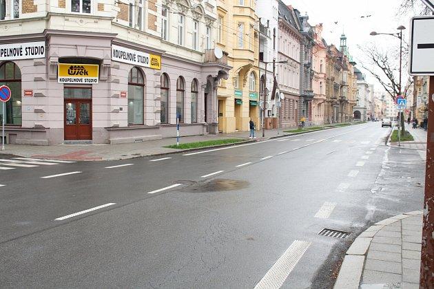 Díry zkřižovatky Lidické a Olomoucké jsou již minulostí. Před časem byly opraveny.