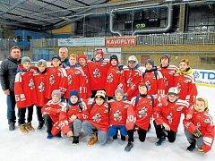 Stříbrné medaile vyválčili starší žáci hokejové Opavy na turnaji v Šumperku. Svěřenci trenéra Jaroslava Plánovského zvládli porci šesti zápasů.