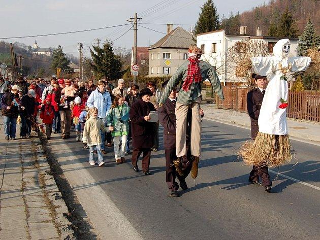 Vynášení Mařeny je každoroční jarní akcí i na Opavsku.