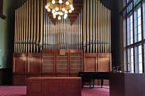 Varhany v sále Knihovny Petra Bezruče v Opavě se dočkají rekonstrukce.