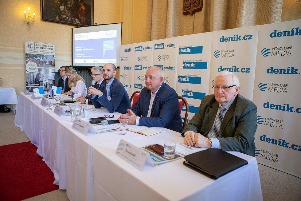 Setkání Sdružení obcí Hlučínska, 17. dubna 2019 v Kravařích. Na snímku účastníci setkání obcí.