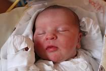 Lukáš Dostál se narodil 21. prosince 2017, vážil 3,67 kilogramu a měřil 51 centimetrů. Rodiče Kristýna a Jan z Opavy mu do života přejí zdraví, štěstí a Boží požehnání. Na Lukáška se už doma těší sestřička Michalka.