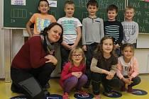 Na fotografii jsou žáci ze ZŠ a MŠ Žimrovice.