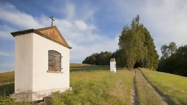 Cesta ke Kalvárii je lemovaná kapličkami.