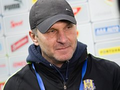 Roman Skuhravý