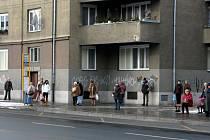 Ozdobené zastávky MHD v Opavě. (Praskova ulice)