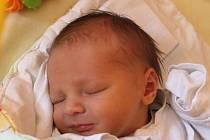 Nikola Pracný se narodil 6. září, vážil 3,19 kilogramů a měřil 50 centimetrů. Rodiče Lucie a Dalimil z Raduně mu do života přejí zdraví a štěstí. Na Nikolu se doma těší brácha Matyáš.