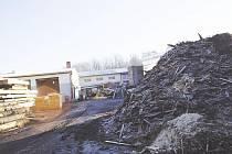 V areálu Pily Vlček o víkendu zemřel třicetiletý muž.