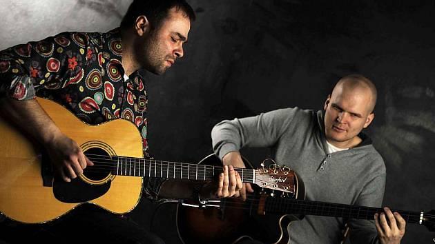 Zdeněk Bína vyrazil na turné s Janem Urbancem. Jejich vystoupení v Opavě se chystá ve středu 17. února.