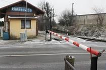 Historické závory jsou v současnosti uschovány v Holasovicích a čekají na další využití.