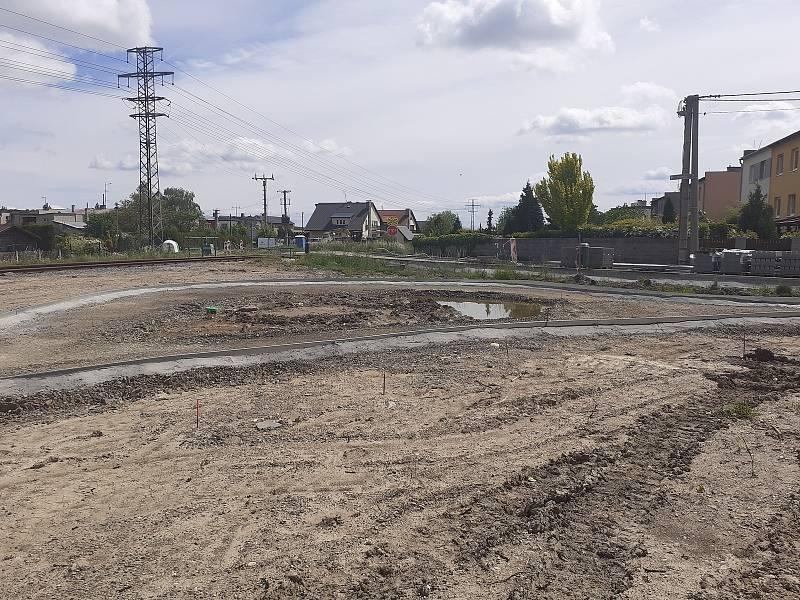 Na ploše u nádraží vznikne obecní park.