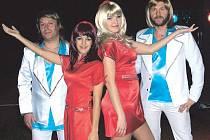 Genny Ciatti (vlevo) se zúčastnila turné skupiny Abba Chiquita revival na Slovensku. Skupina dále pokračuje v Rakousku a Německu.
